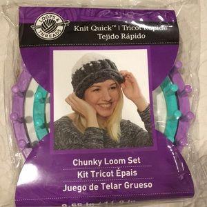 NEW Knit Quick Chunky Loom Set kit